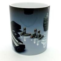 Mug pistolet et grenade
