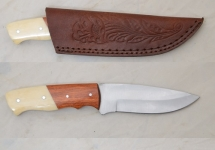 Couteau de chasse  manche bois et pvc   avec Etui cuir