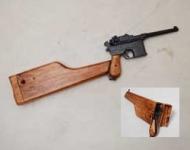 Crosse etui Mod. 96 Artilleur avec  Réplique  du Pistolet  MAUSER  C96