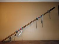 Lance Amérindien recouvert de Rawhide de 165 cm