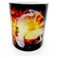 Mug Casque pompier dans flammes