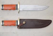 Couteau de chasse  manche bois  avec Etui cuir